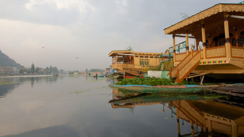 House boat in Sukoon
