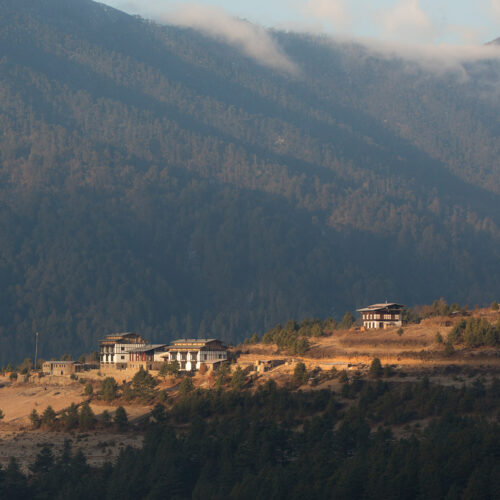 gangtey-lodge-bhutan-view-over-valley