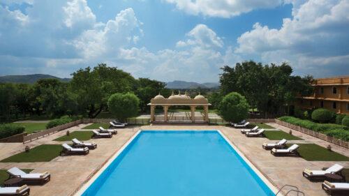 Trident Udaipur poolside