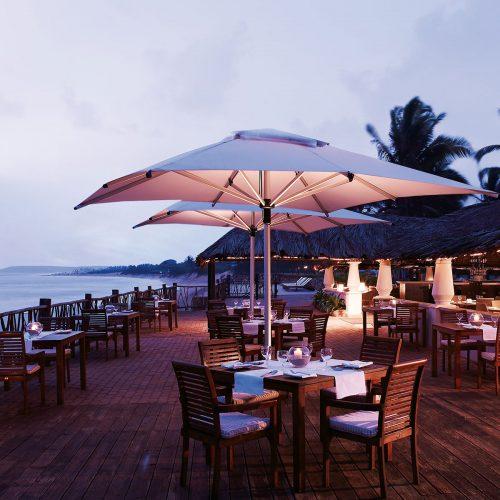 greaves_vivanta_by_taj_holiday_village_dining_area