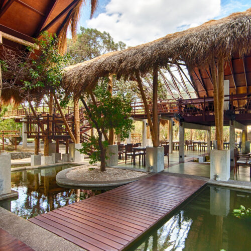 jungle-beach-outdoor-dining-area