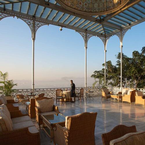 taj-falaknuma-palace-balcony
