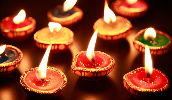 greaves_diwali_candle-close-up_credit-istock_thinkstock