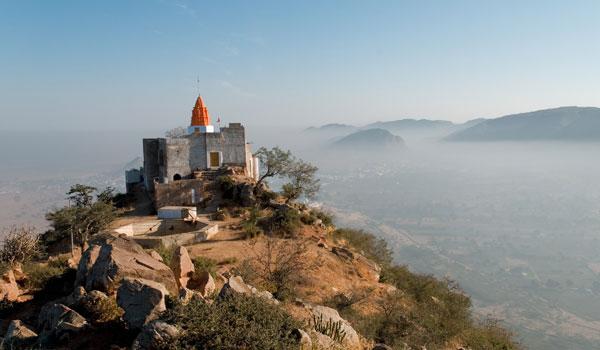 greaves_pushkar-camel-fair_savitri-temple-pushkar_credit-istock_thinkstock