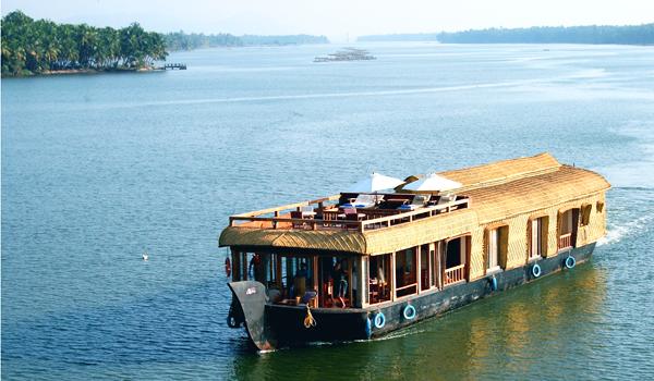 lotushouseboat