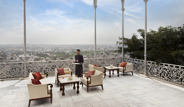 taj-falaknuma-palace-hyderabad-gole_terrace__