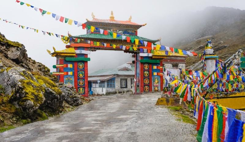37 Indian Experiences | Sela Pass